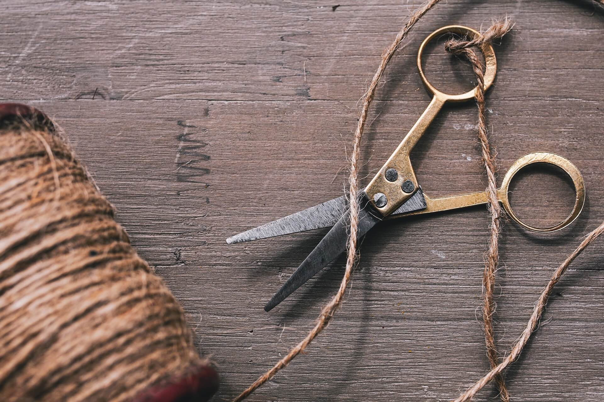 cord-4088057_1920